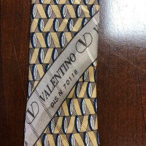 VALENTINO CRAVATTE 100%Silk  DIS N.70118